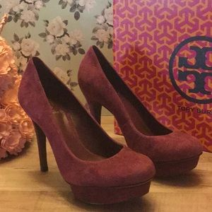 Tory Burch purple suede pumps Sz6 like new